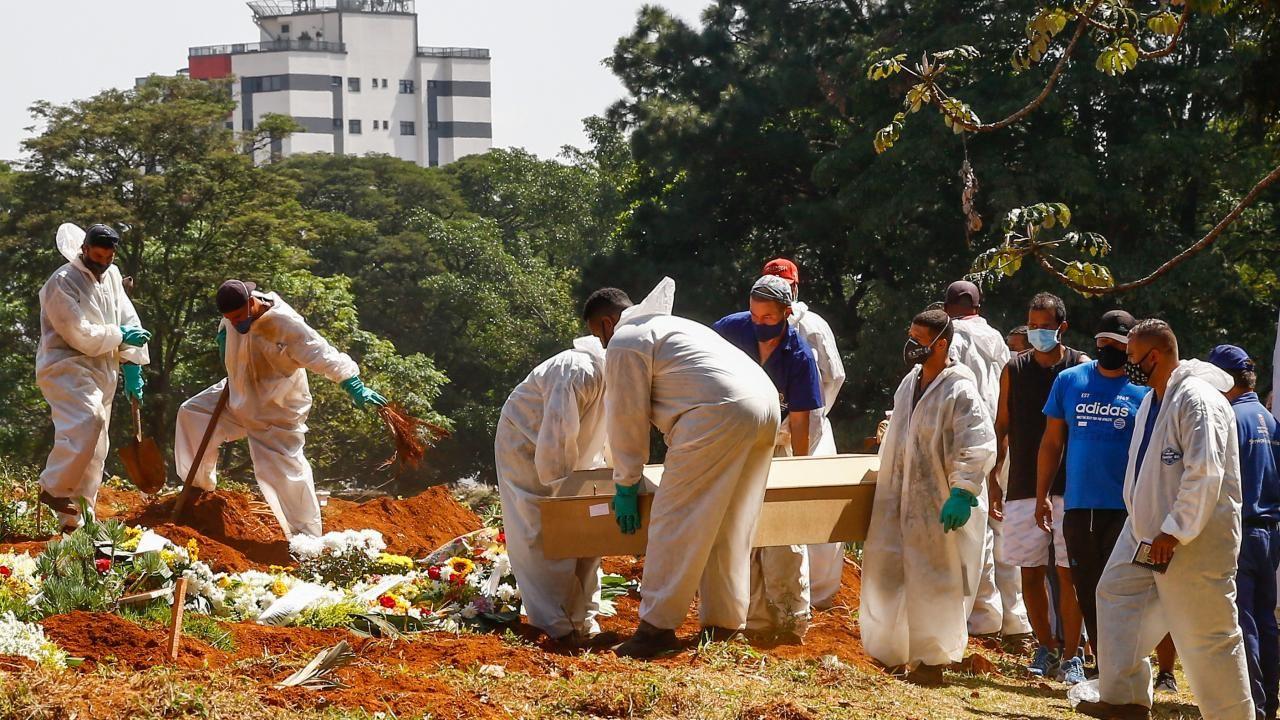 Sao Paulo'da koronavirüs sebebiyle hayatını kaybedenler defnedildi. - Sayfa 2
