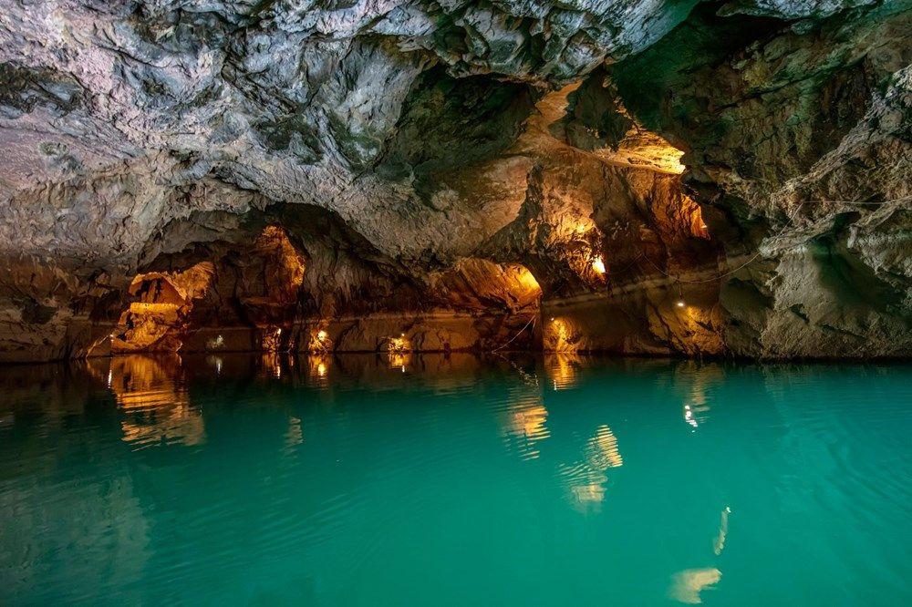 Türkiye'nin en büyük yeraltı gölü: Altınbeşik Mağarası - Sayfa 1
