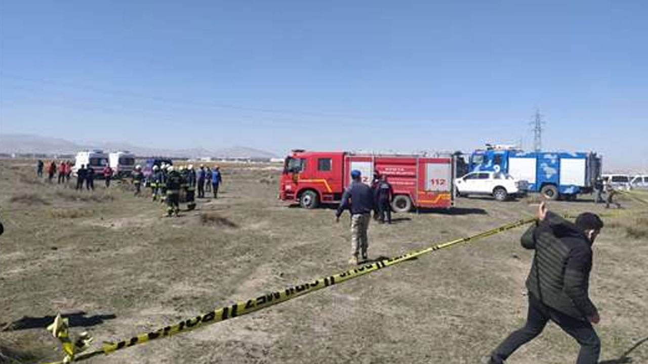 Konya'da Türk Yıldızları'na ait uçak düştü