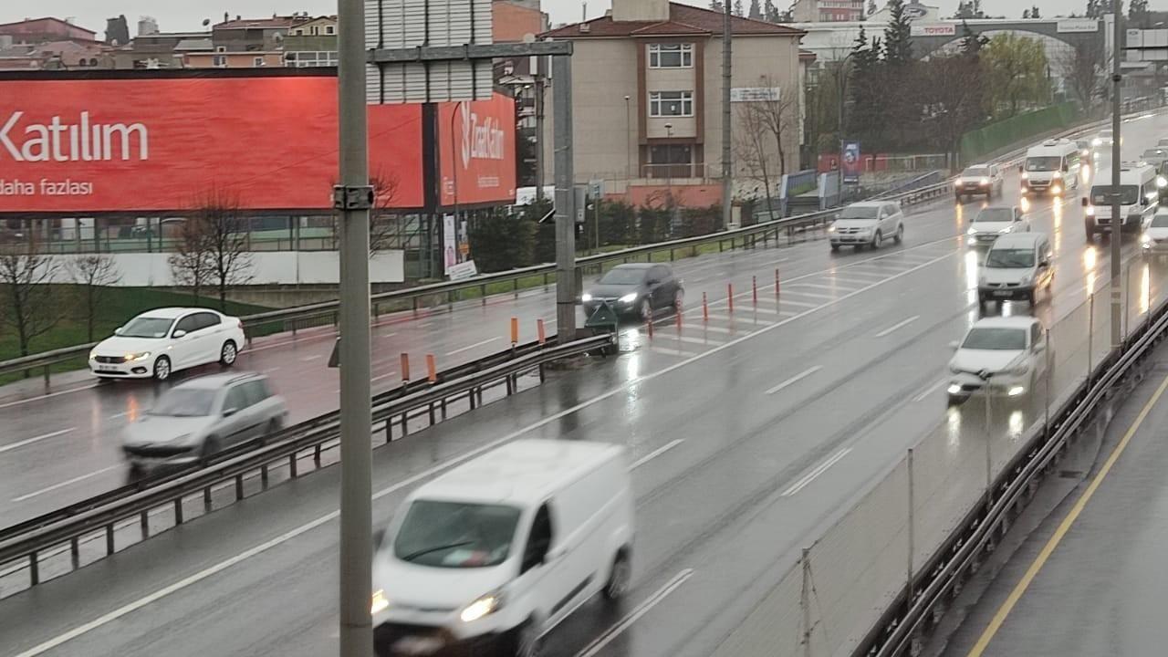 İstanbul'da yağış etkili oldu - Sayfa 4