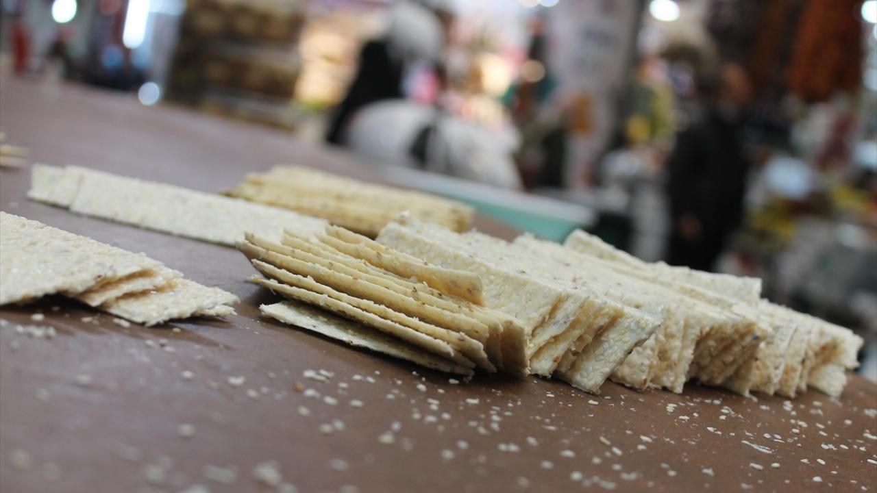 Hatay'ın ramazan sofralarının özel tatlısı: Küncülü helva - Sayfa 1