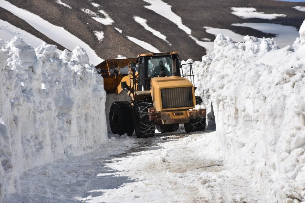 Nemrut Dağı'nda kar kalınlığı 10 metreyi aştı ekiplerin zorlu mücadelesi - Sayfa 2