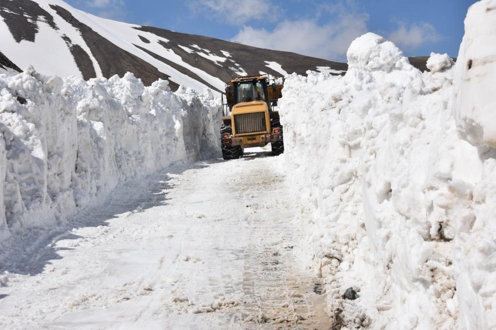 Nemrut Dağı'nda kar kalınlığı 10 metreyi aştı ekiplerin zorlu mücadelesi - Sayfa 3