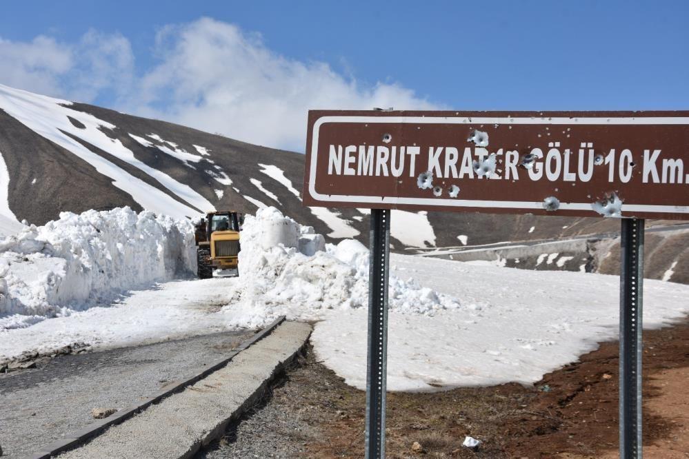 Nemrut Dağı'nda kar kalınlığı 10 metreyi aştı ekiplerin zorlu mücadelesi - Sayfa 4