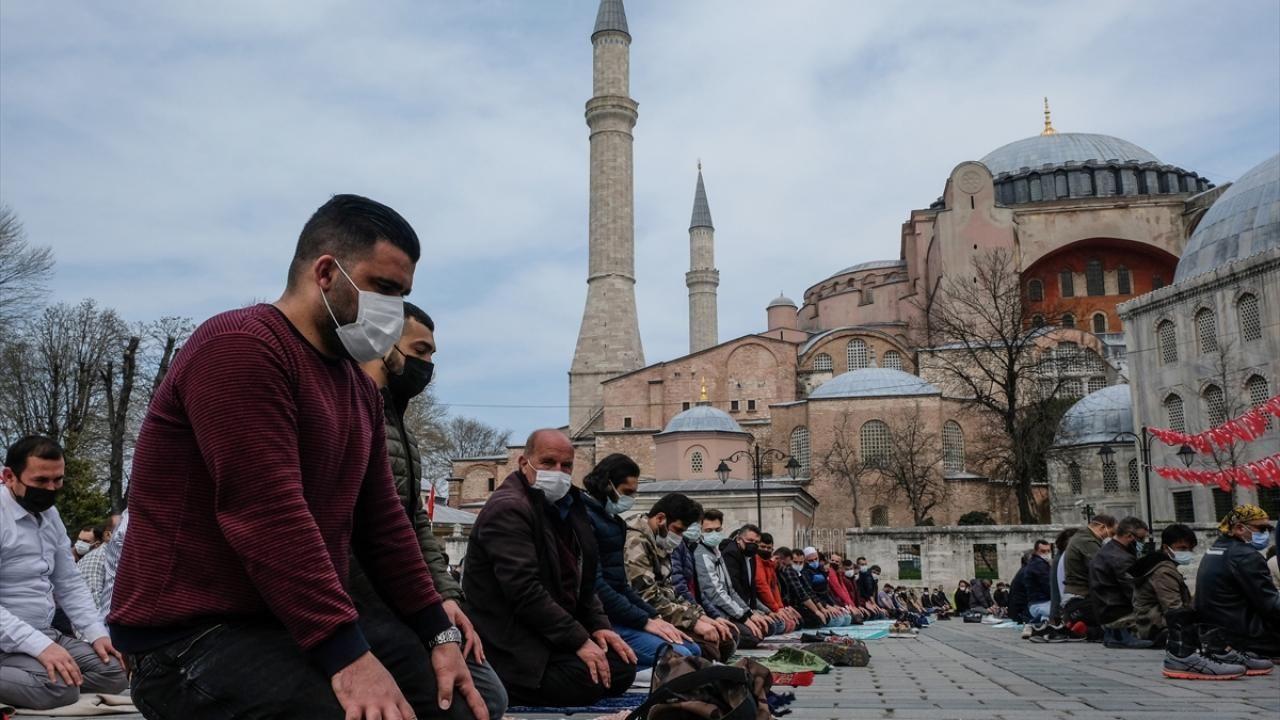 Yurt genelinde Ramazan ayının ilk cuması eda edildi - Sayfa 4