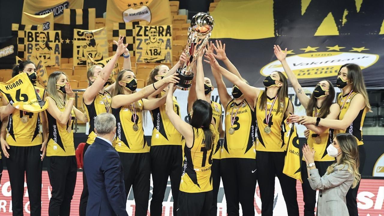 Şampiyon VakıfBank kupasını aldı - Sayfa 4