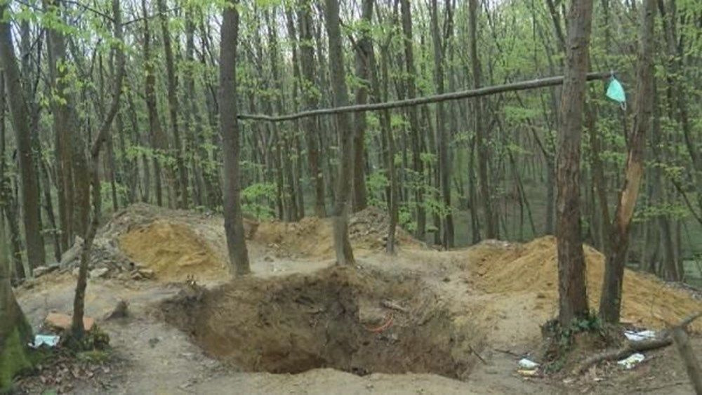 Belgrad Ormanı'nda define avı: Devasa çukur şaşkına çevirdi - Sayfa 1