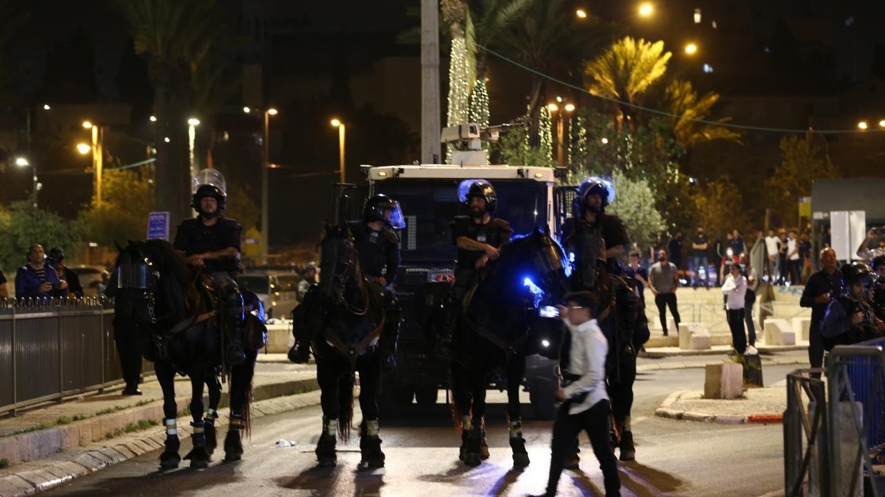 İsrail polisi Filistinlilere olan müdahalesini sürdürüyor - Sayfa 2