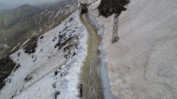 Nisan ayında 5 metre kar - Sayfa 1
