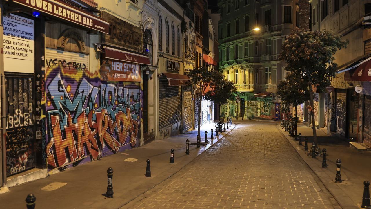 Tam kapanma'nın ilk günü İstanbul'da cadde ve sokaklar boş kaldı - Sayfa 4
