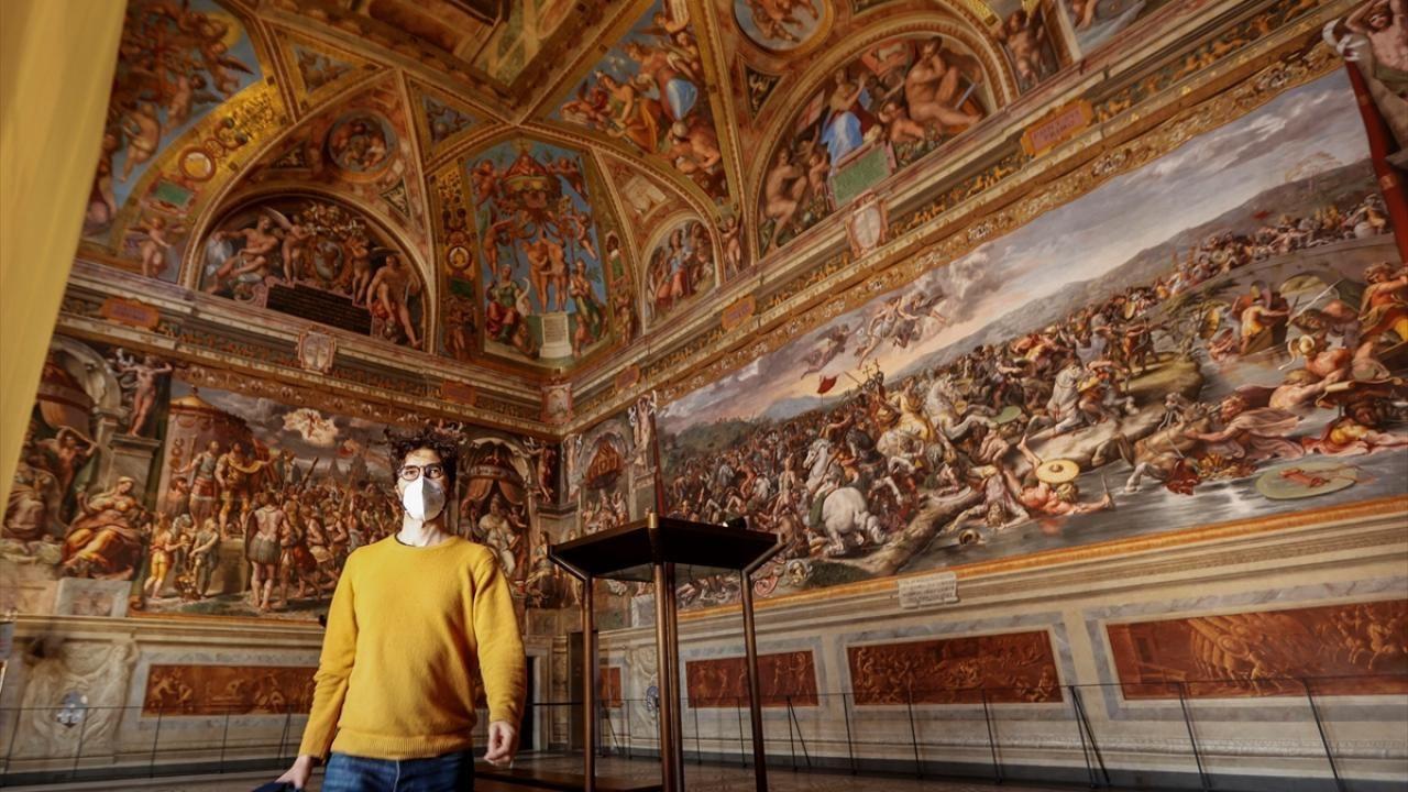 Vatikan Müzesi yeniden ziyarete açıldı - Sayfa 1