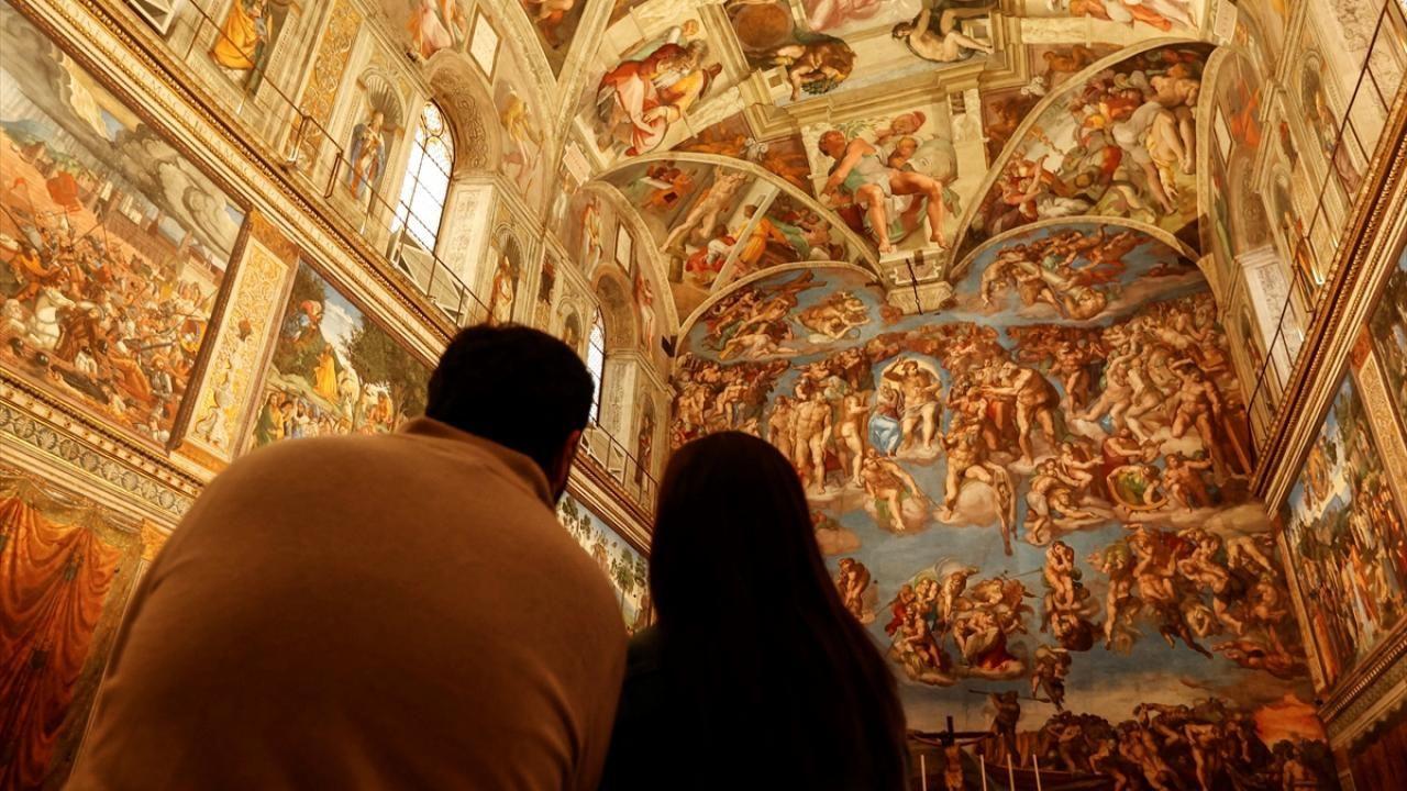 Vatikan Müzesi yeniden ziyarete açıldı - Sayfa 2