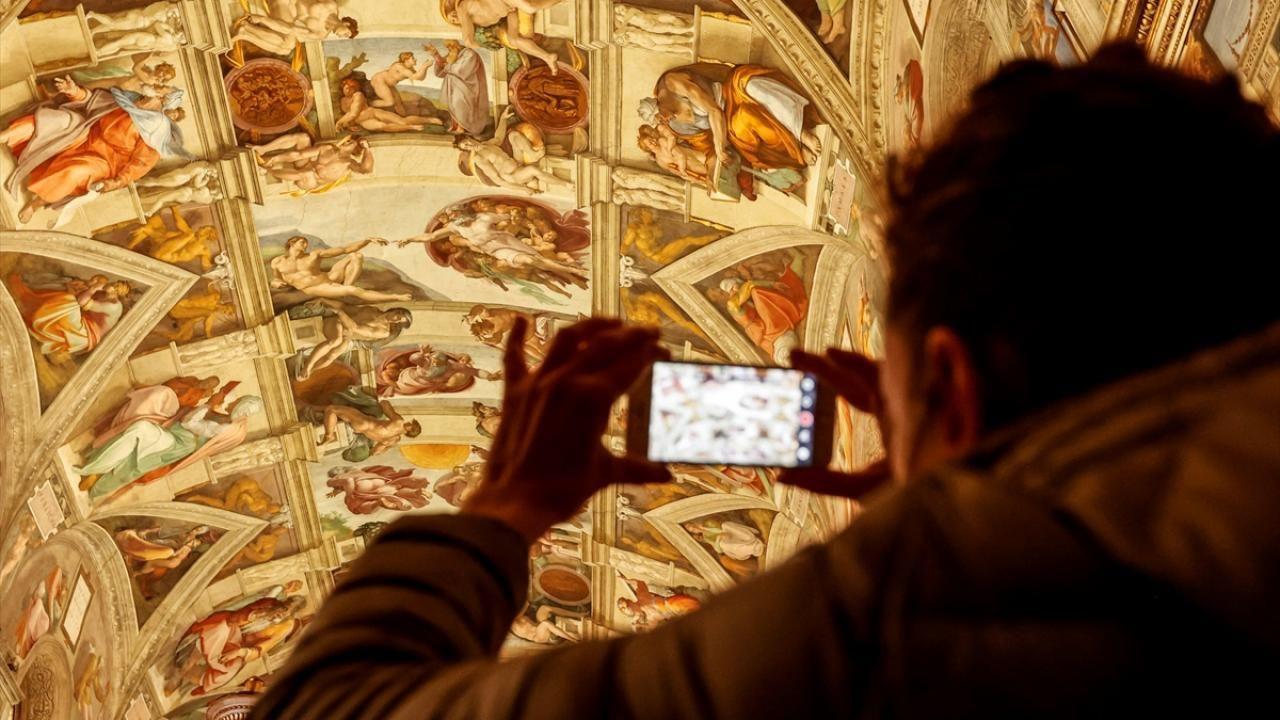 Vatikan Müzesi yeniden ziyarete açıldı - Sayfa 4