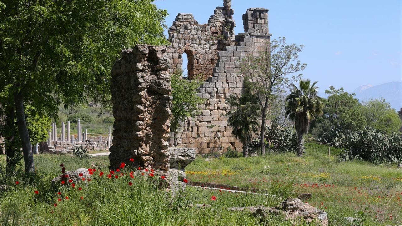 Antalya'daki Perge Antik Kenti eski ihtişamına kavuşuyor - Sayfa 3