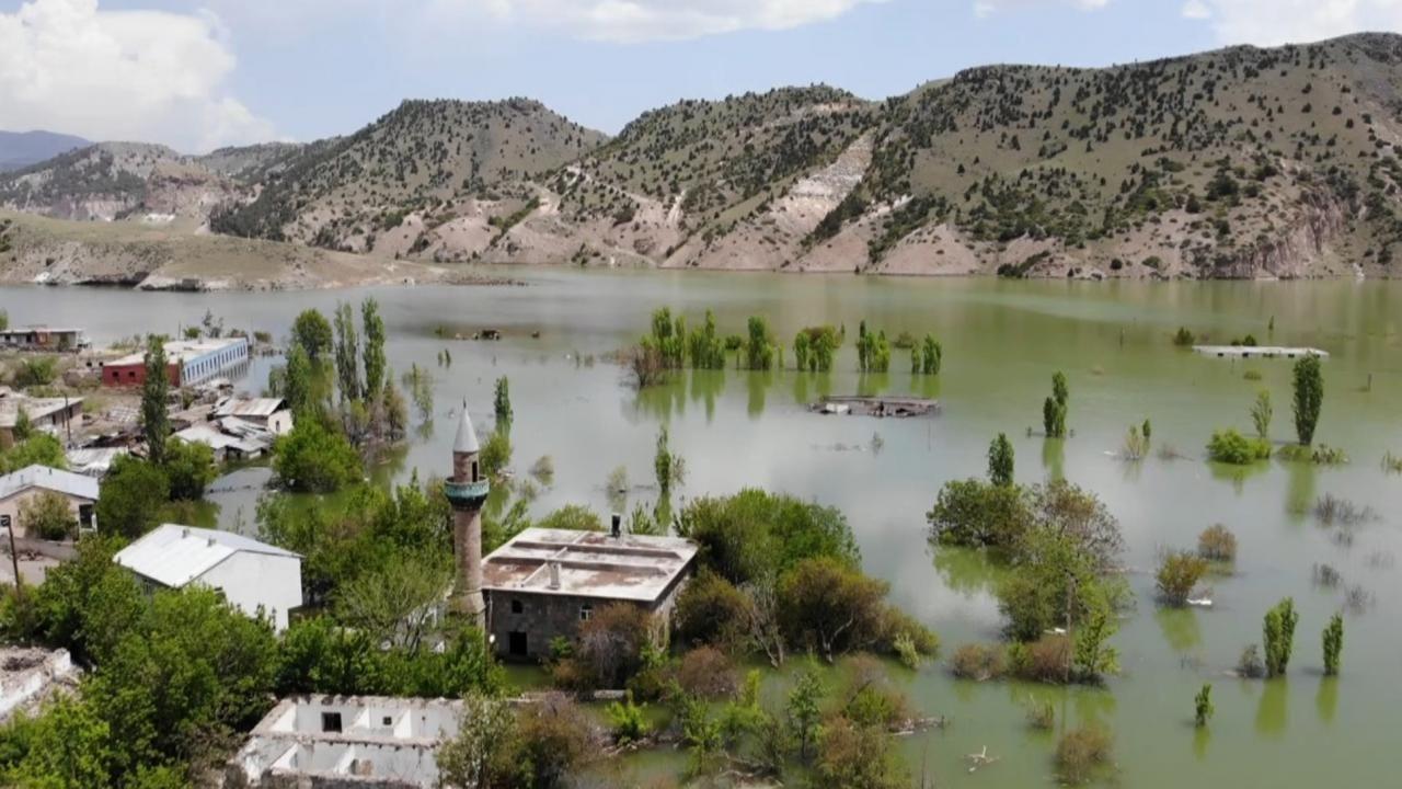 Karakurt Barajı gölünde boşaltılan evler sular altında kaldı - Sayfa 3