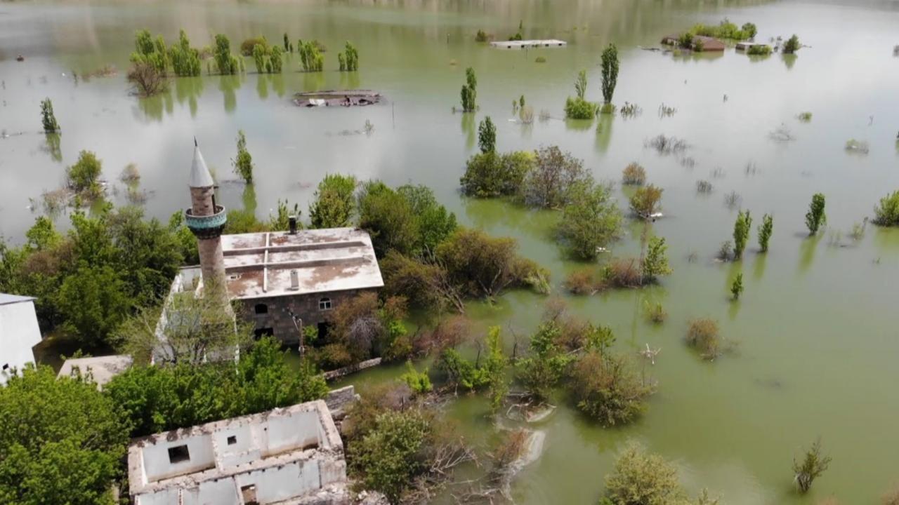 Karakurt Barajı gölünde boşaltılan evler sular altında kaldı - Sayfa 4
