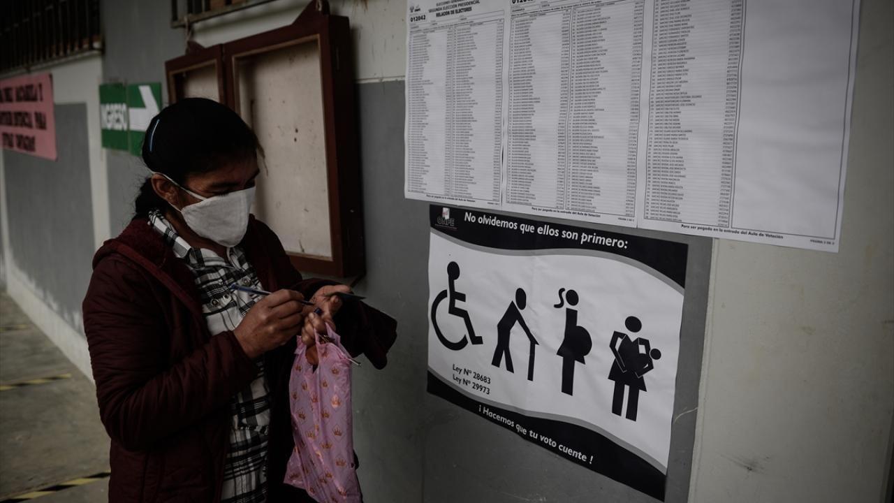 Peru'da devlet başkanlığı 2. tur oy verme işlemi başladı - Sayfa 1