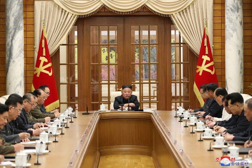 Kuzey Kore lideri Kim Jong-un eridi: Son fotoğrafları sağlığıyla ilgili endişeye yol açtı - Sayfa 4