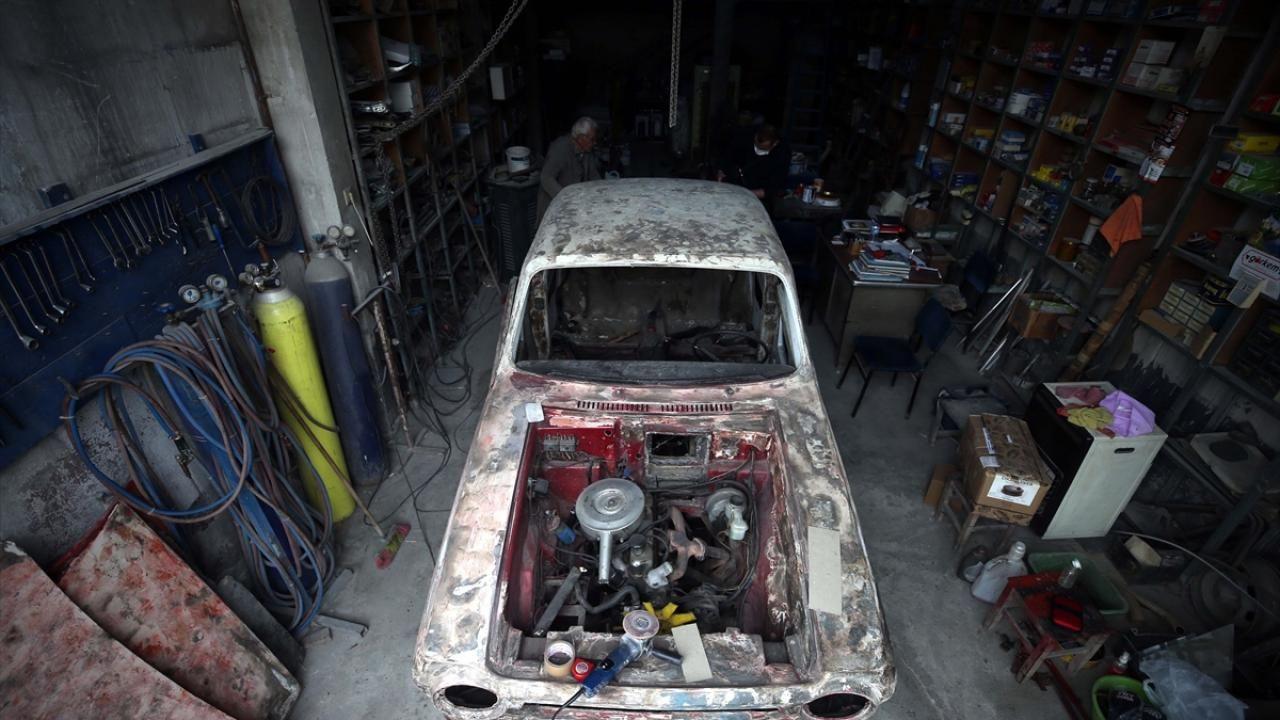 Anadol otomobiller 'Dede Suat'ın elinde hayata dönüyor - Sayfa 1