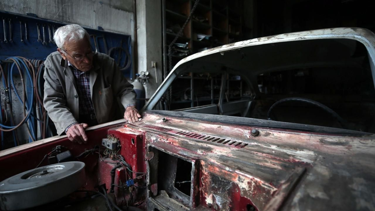 Anadol otomobiller 'Dede Suat'ın elinde hayata dönüyor - Sayfa 2