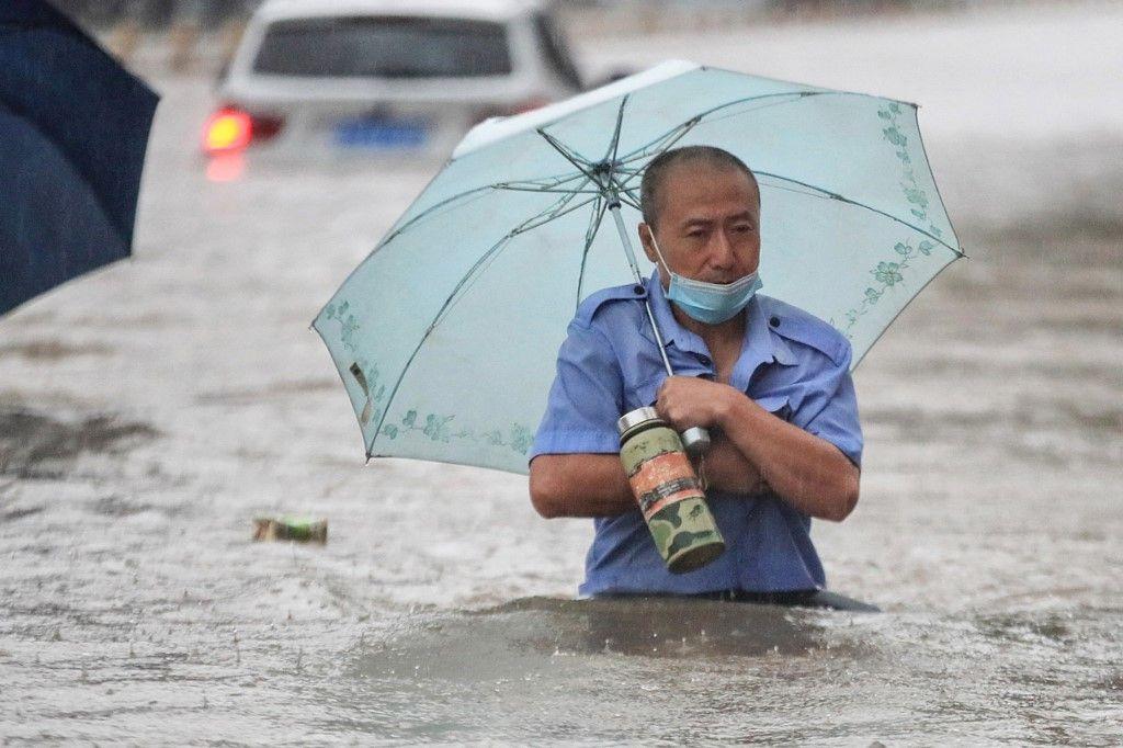Çin'de 'bin yılın en şiddetli yağmuru' sele neden oldu: 12 kişi hayatını kaybetti - Sayfa 3