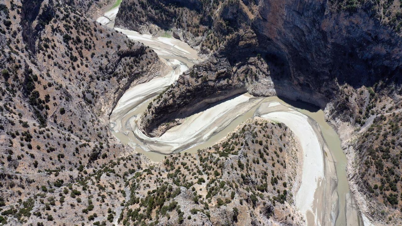 Arapapıştı Kanyonu'nda kuraklık: Nehirde sular çekildi - Sayfa 1