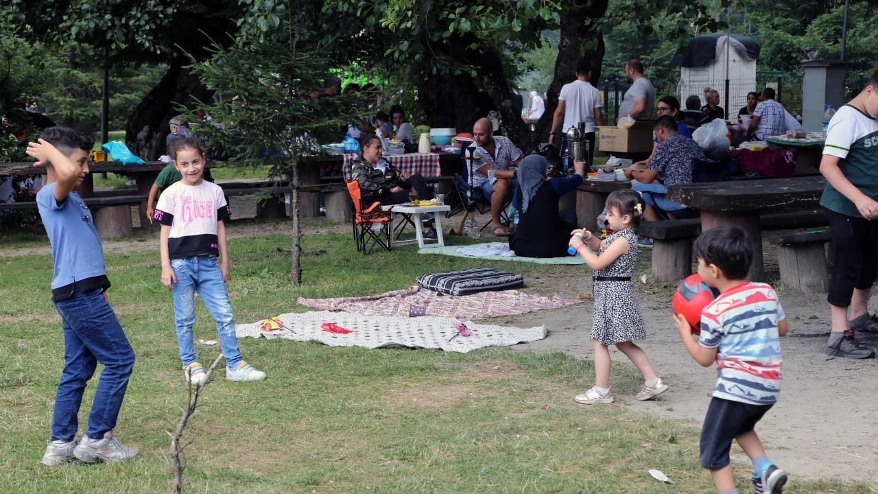 Gölcük Tabiat Parkı bayramda tatilcilerin akınına uğradı - Sayfa 4