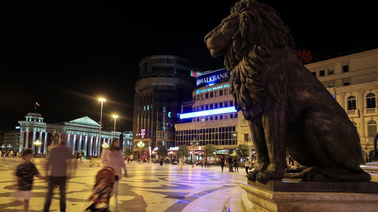 Üsküp'ün yeni yüzü: Makedonya Meydanı - Sayfa 2