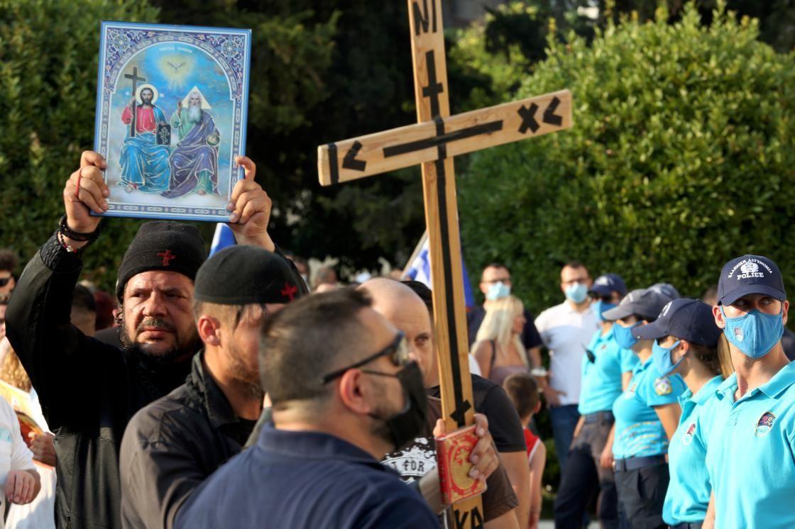 Yunanistan'da aşı karşıtları polisle çatıştı - Sayfa 2