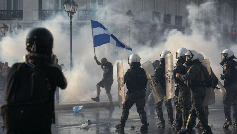 Yunanistan'da aşı karşıtları polisle çatıştı - Sayfa 4