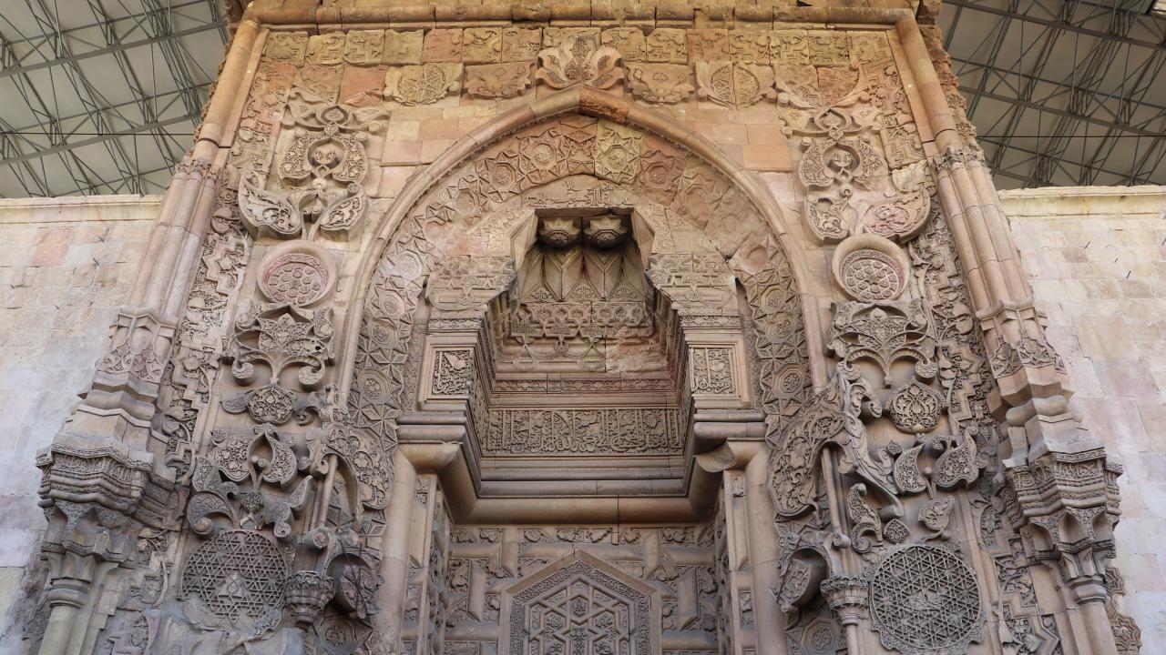 Dünyada bir başka benzeri yok: Divriği Ulu Camii ve Darüşşifası - Sayfa 1