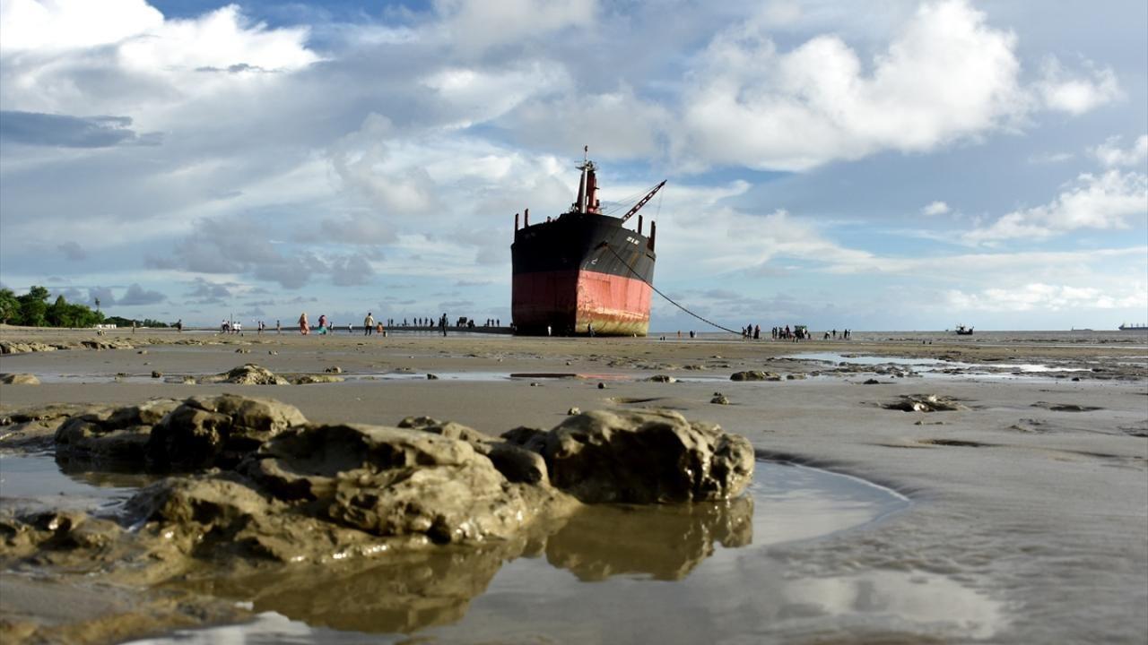Bangladeş'in Parki Plajı'nda karaya oturan Crystal Gold gemisi - Sayfa 2