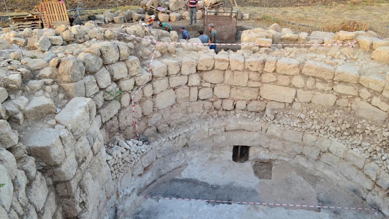 Aratos'un anıt mezarı arkeolojik olarak kanıtlandı - Sayfa 4