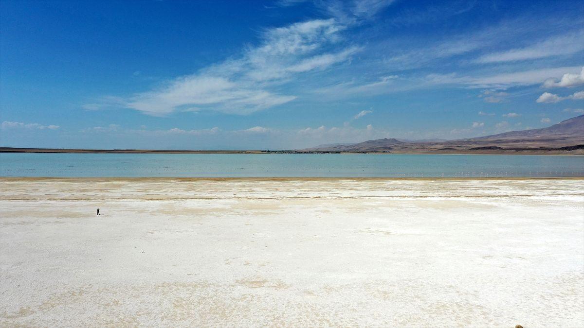 Arin Gölü kuraklık nedeniyle küçülüyor - Sayfa 1