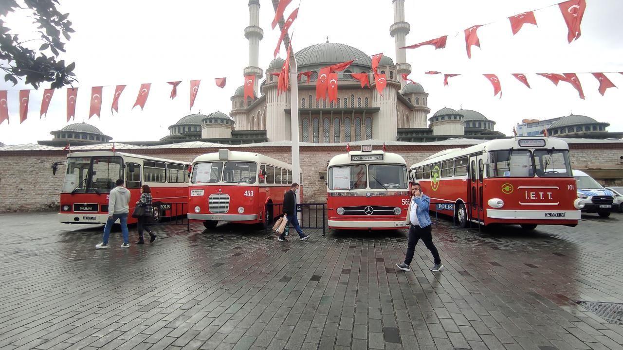 Taksim'de nostaljik otobüs sergisi - Sayfa 1