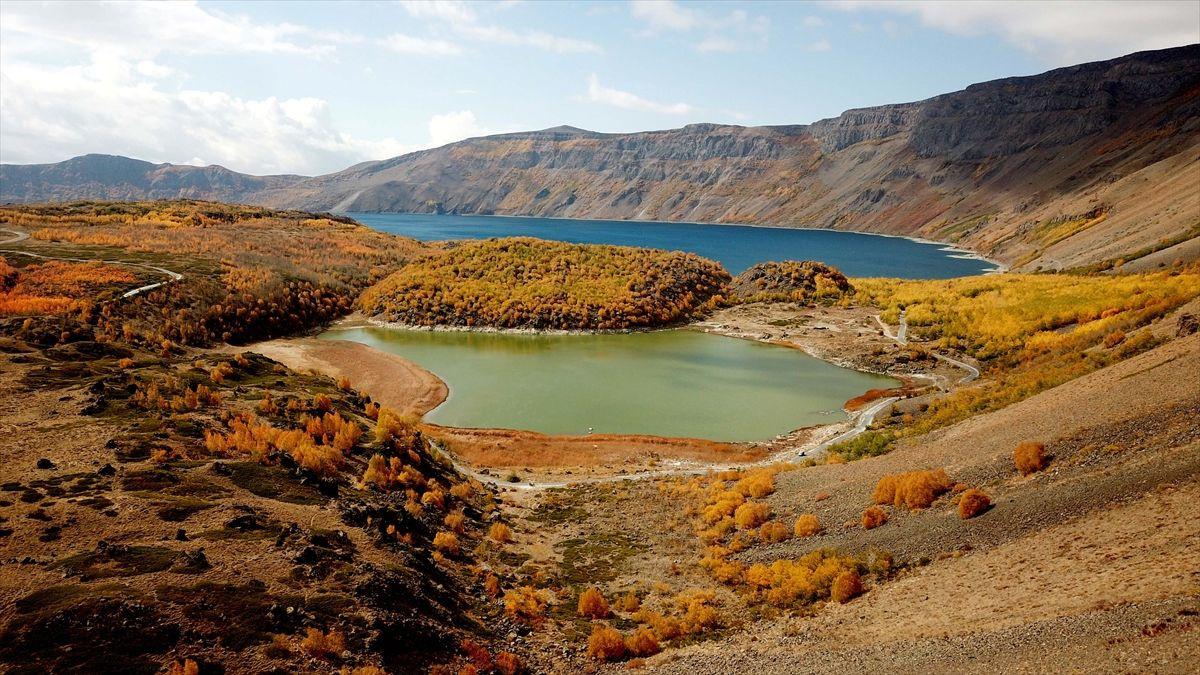 Nemrut Krater Gölü'nde sonbahar güzelliği - Sayfa 1