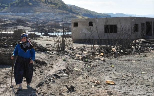 Baraj suları çekildi hayalet köy ortaya çıktı - Sayfa 1