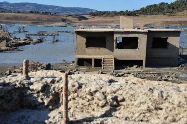 Baraj suları çekildi hayalet köy ortaya çıktı - Sayfa 2