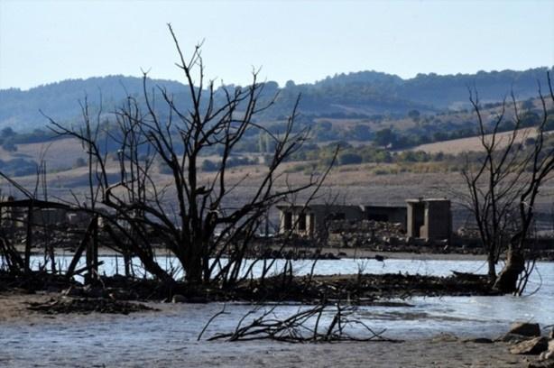 Baraj suları çekildi hayalet köy ortaya çıktı - Sayfa 3