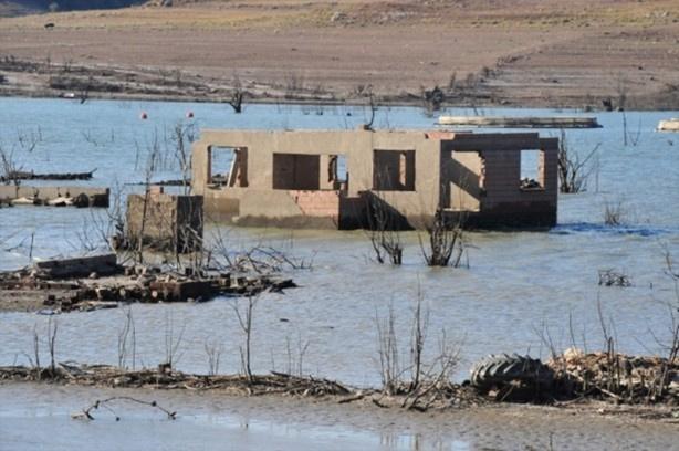 Baraj suları çekildi hayalet köy ortaya çıktı - Sayfa 4