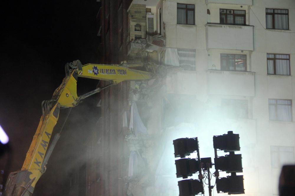 Kartal'da riskli binanın yıkımına başlandı - Sayfa 3