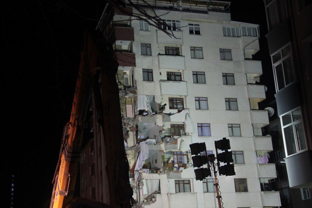 Kartal'da riskli binanın yıkımına başlandı - Sayfa 7