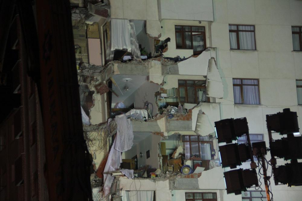 Kartal'da riskli binanın yıkımına başlandı - Sayfa 8