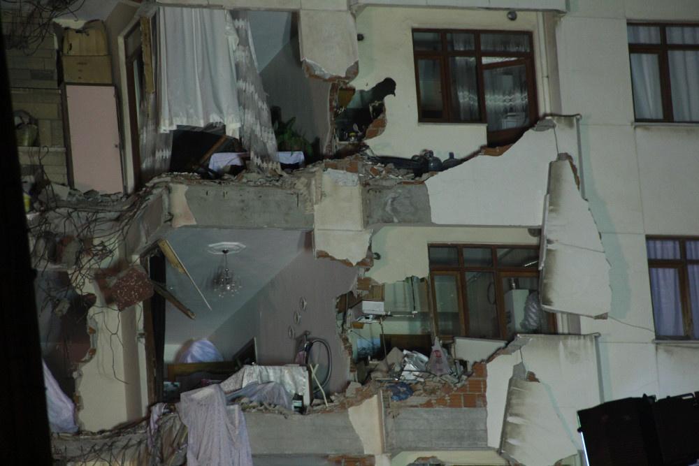 Kartal'da riskli binanın yıkımına başlandı - Sayfa 9