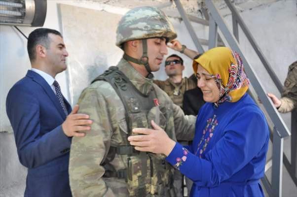 Sınırda görev yapan askere 'Anneler Günü' sürprizi - Sayfa 4