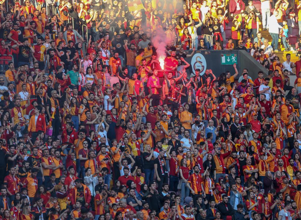 Galatasaray şampiyonluğunu kutladı - Sayfa 3