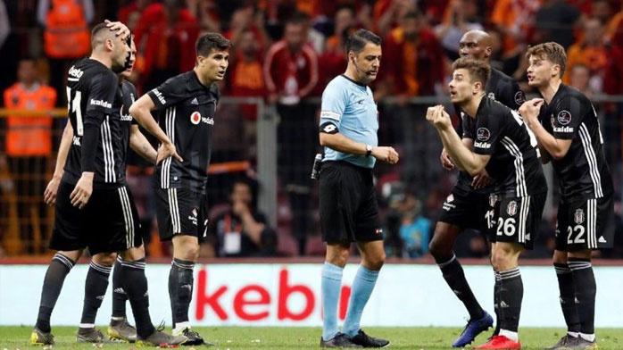 Galatasaray - Beşiktaş derbisinde ortalığı karıştıran karar