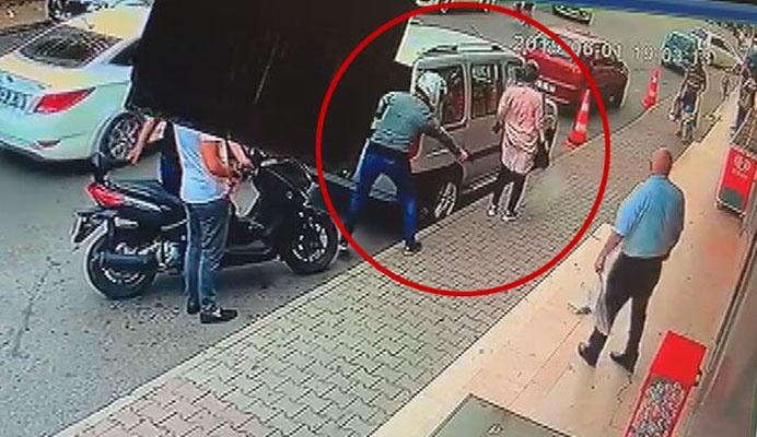 Motosikletten inip kurşun yağdırdı! Genç kadın hayatının şokunu yaşadı