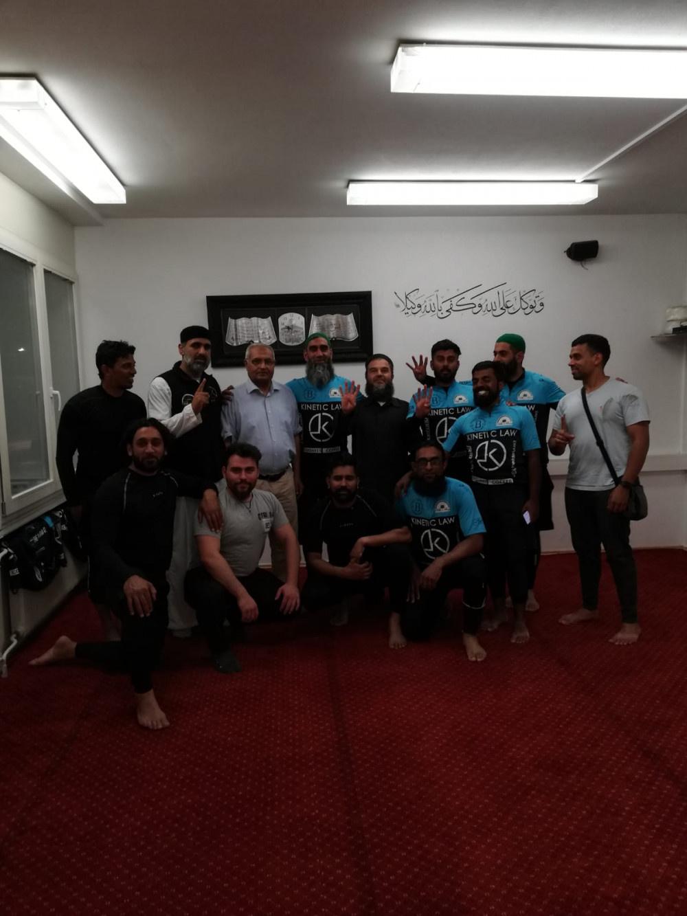 12 gencin Londra'dan Medine'ye uzanan zorlu hac yolculuğu - Sayfa 4