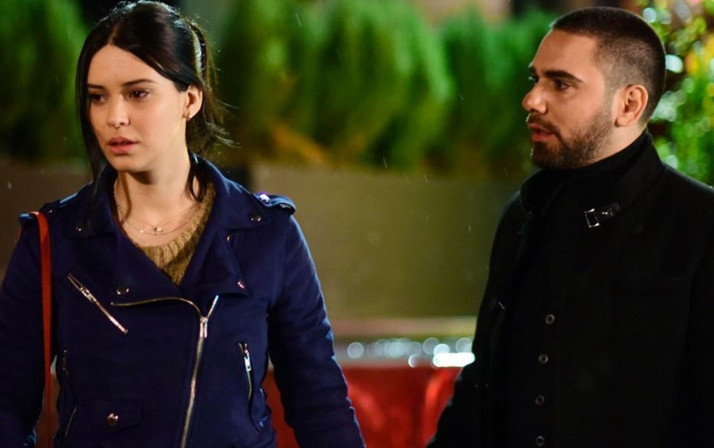 TRT 1'in Vuslat dizisinde flaş gelişme! Setten apar topar ayrılma kararı aldılar - Sayfa 4